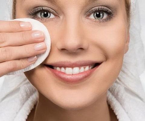 تمیز کردن عمیق پوست
